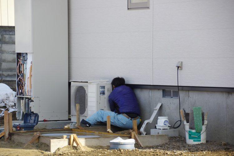 エコキュート設置 作業の写真